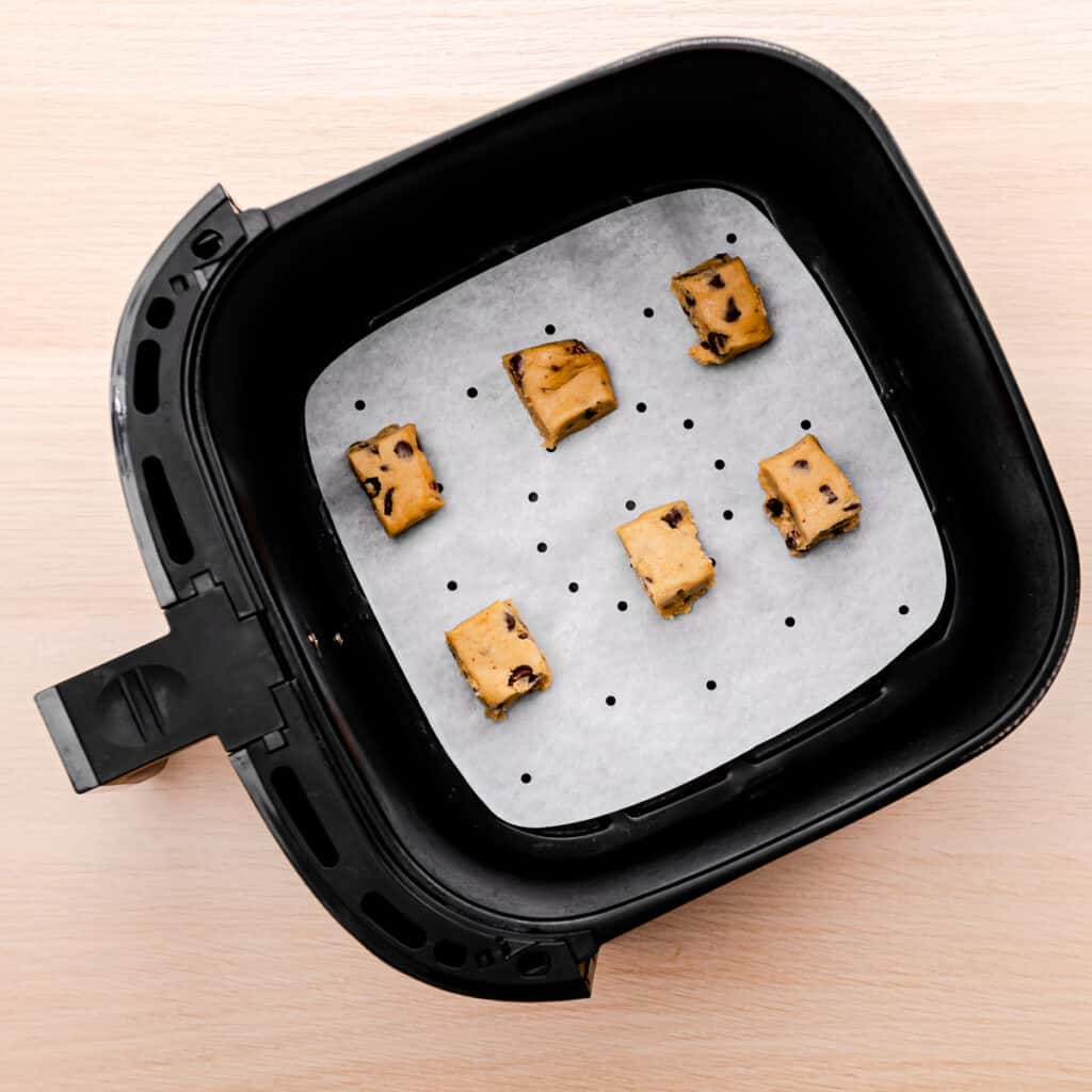 how to bake cookies in an air fryer.